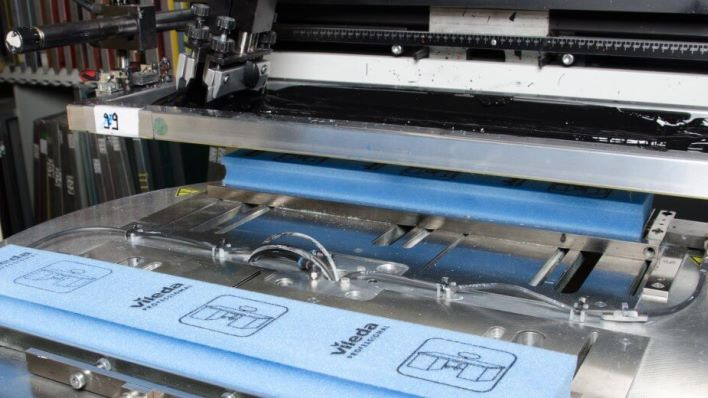 Depending on the material or substrate, we use a screen printing system with rotary table